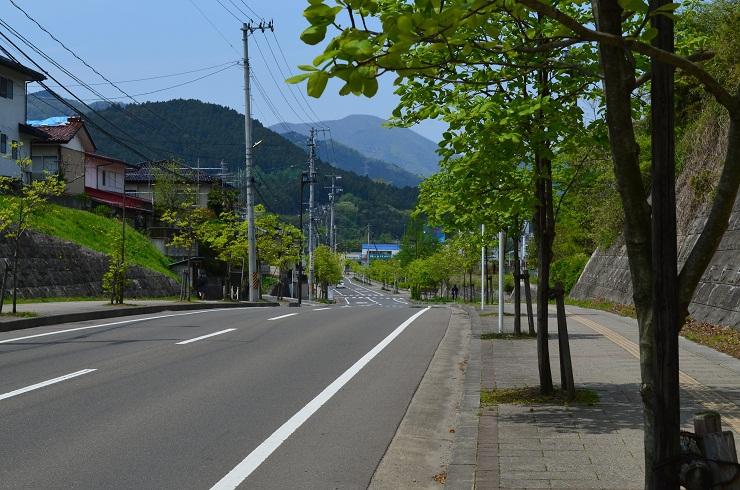 白石高校前の街並み